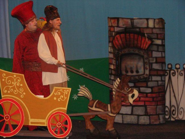 """Weekend cu public în sala Teatrului """"Vasilache"""": 50% din capacitatea sălii"""