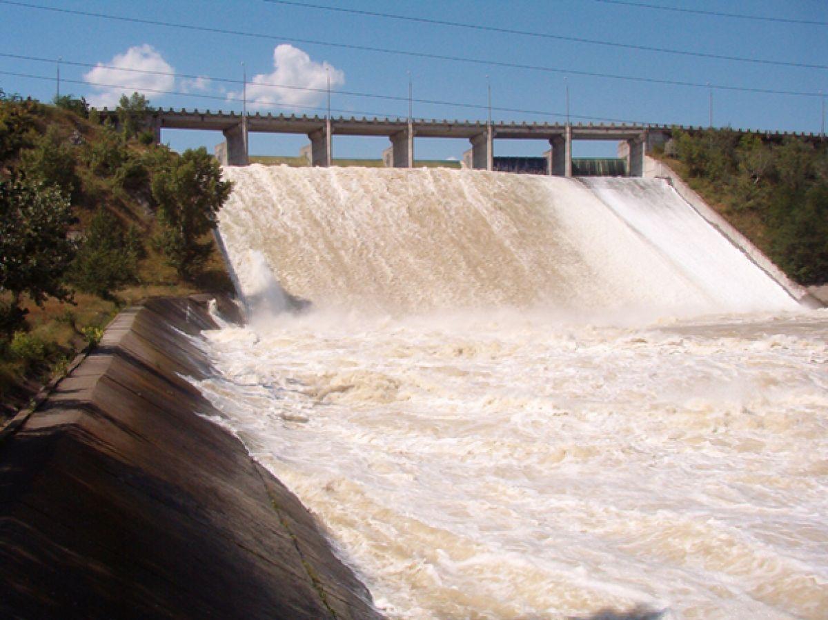 Imagini pentru barajul stanca costesti